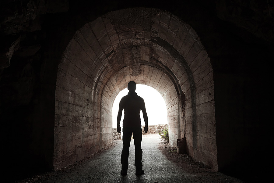 tunnel-et-homme